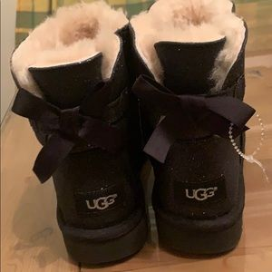 Ugg Mini Bailey bow sparkle boot